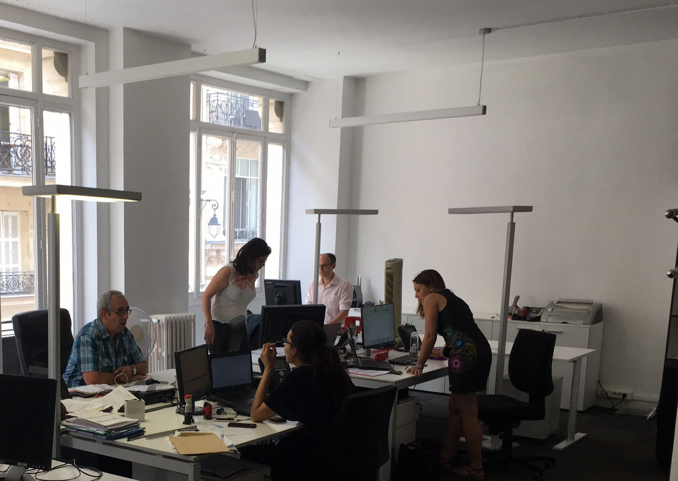 Works at the paris agency u voxoa
